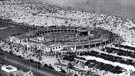 THE SUN SHONE, THE CROWDS CAME: Yarmouth's Marine Parade and central beach, with the packed open-air