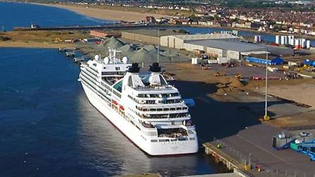 The Seabourn Quest arrives in Great Yarmouth.