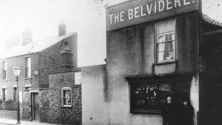 "The Belvidere Tavern in Great Yarmouth pictured in the 1930s, its name spelt with an ""i""."