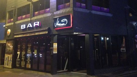 A Great Yarmouth nightclub owner has offered to hold an alternative Leavers' Ball for students banne