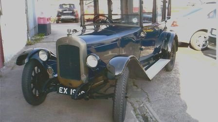 EX1938, a 1927 Yarmouth-registered Austin Windsor, was seen in a Christmas 2014 episode of TV favour
