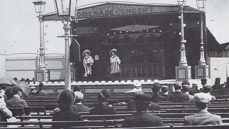 Chappell's Singers Ring open-air auditorium in 1910, situated roughly where the Marina Centre is on