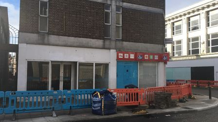 A bid has been lodged for takeaway use merging two empty retail units formerly Thorntons and Phones