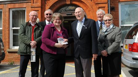 MP Therese Coffey presents her bingo winnings to the League of Friends of Felixstowe Community Hospi