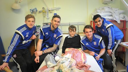 Players from Ipswich Town Football Club made a special Christmas visit to the Bergholt childrens war