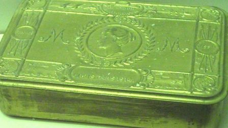 One of the 1914 Christmas boxes sent to service personnel