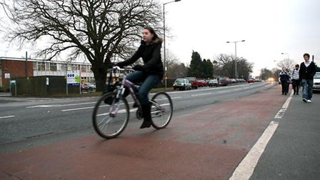 Campaigner says there are not enough cycling paths in Ipswich.