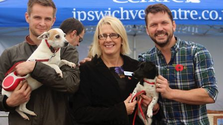 Ipswich's new veterinary centre gets overwhelming support from animal owners. Children took part in