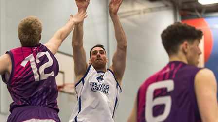 Captain Tom Sadler agian led the way against Loughborough with 20 points and 10 rebounds