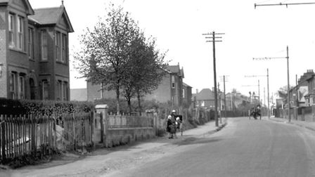 Felixstowe Road, Ipswich, in the 1920s. This section between King Edward Road and Prettyman Road was