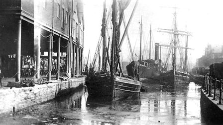 The original lock at New Cut was moved to its parent location in 1881. This picture was taken from n