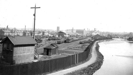 The Lower Yard, from the Princes Street bridge, in the 1890s with the River Orwell on the right. Th