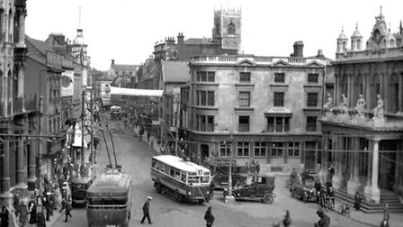 The Cornhill, Ipswich in the 1920s when the report on Ipswich was written. The offices in the centre