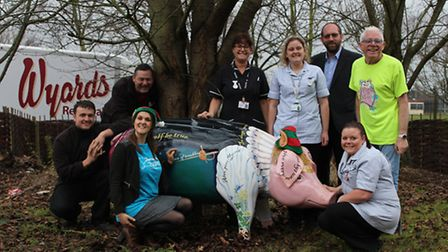 Staff from St Elizabeth Hospice, Wyards Removals and Ipswich Hospital with Hamlet of Ipswich outside