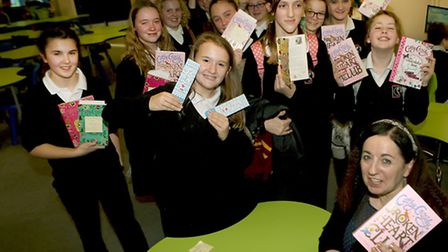Cathy Cassidy meets students and signs their books at Claydon High School