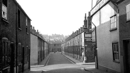 Gibson Street, one of the many roads cleared in the 1930s. It was from Curve Street (now part of Rop