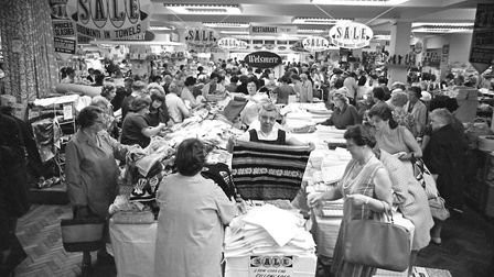Bargain hunters at a FootmanÕs sale in July 1966. (Photo by David Kindred/Archant).