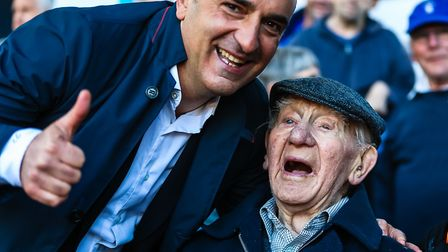 101-year-old Jesse Webb, a life-long Sheffield Wednesday fan got to meet Sheffield Wednesday manager