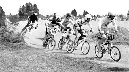 A close and fast paced race which sees each rider constantly looking for the opportunity to overtake
