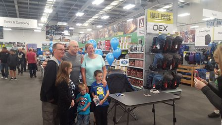 Ross Kemp poses with Ipswich family Dean and Helena Keighley with children Ellie, 10, Blake, three,