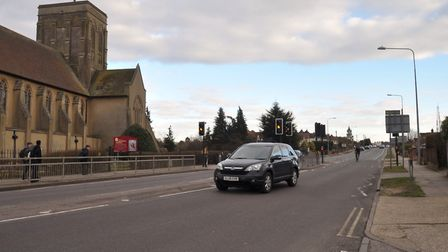 Plans to turn Felixstowe Road in Ipswich into three lanes have received the backing of a Suffolk Cou