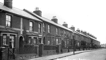 Belle Vue Road, Ipswich, around 1912. The road was then lit at night by gas lamps. Most of the iron
