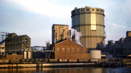 The gas works stood on a site between Patterson Road, Duke Street and the quay. The gas works moved