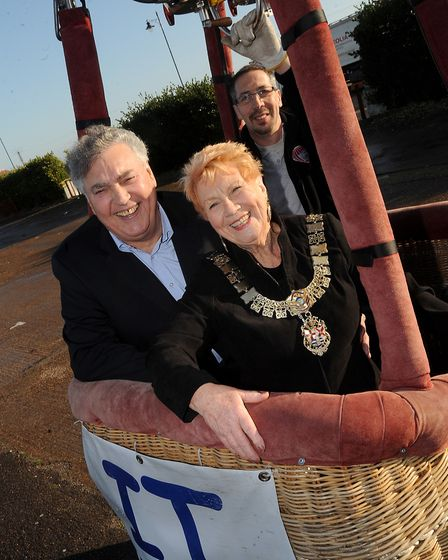 Bob Shelley and Mayor Doreen Savage at the Mannings Amusements Park for Children in Need Picture: GR