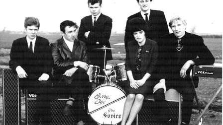 The Sonics with Jim Bobby, Mick Morley, Alex Shulver, Barry Dye, Sue Carey and Clive Frindle. The ba