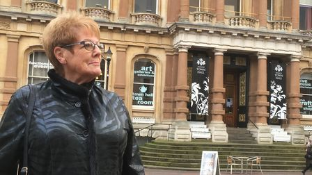 Liz Harsant has called for the former No 4 service to be reinstated to help those along the route Pi