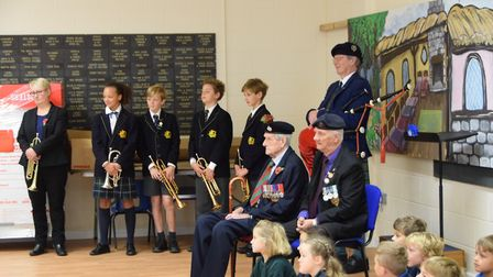 WWII veterans Mo Goldstien and Tony Booth visited the school to see a performance by the children an