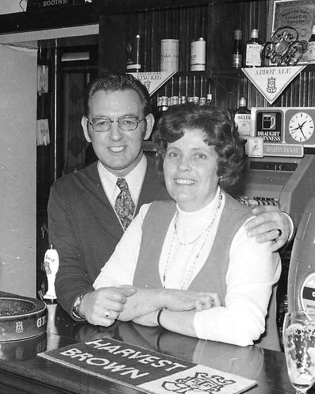 Who was pulling pints at the Claydon Crown in 1975?