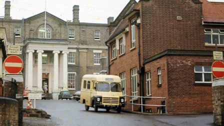 The entrance to Anglesea Road Hospital in the 1960s. The original two storey building, with its four