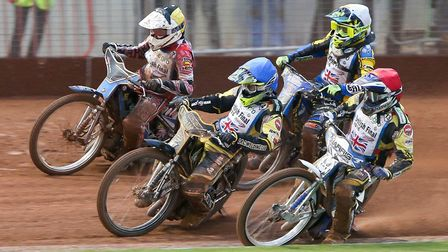 Danny King (blue) leads Chris Harris (red). The pair will be in Witches colours this season