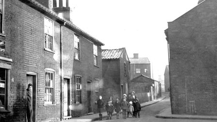 Mount Street, Ipswich, in 1933. This photograph illustrates the tiny houses and narrow streets, whic
