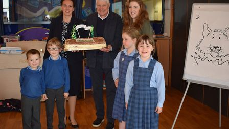 Amanda Childs, Ipswich Prep head, Nick Butterworth, Hannah Mee, Prep librarian, and some pupils at I