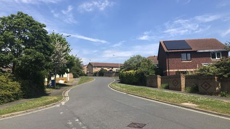 the roads in Pinewood, Ipswich, are narrow, winding and used by someresidents to park their cars. On
