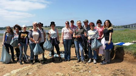 Suffolk County Council's vegan network doing a beach clean at Orwell Country Park in Ipswich. Pictur