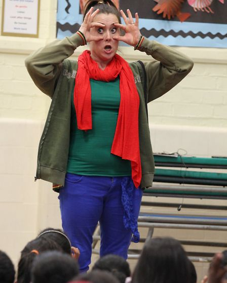 """Entertainer """"Amber Green"""" plays at Mayflower Primary School an interactive performance to improve th"""
