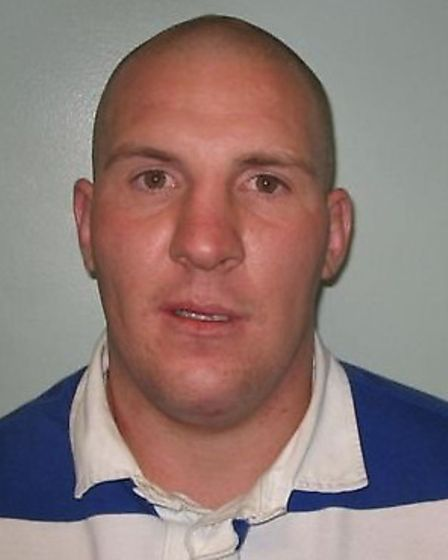 Lee Small is wanted on suspicion of possession of drugs with intent to supply.