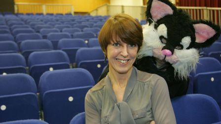 He's behind you - Dawn Young with a fellow panto star