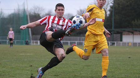 Frankie Curley of Hornchurch tries to get in a cross against Sutton (Gavin Ellis/TGSPHOTO)