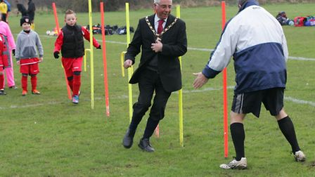The Mayor visits Shield football academy and trains with the youngsters