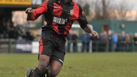 Abs Seymour celebrates his winner for Romford at Grays on Boxing Day 2011 (Garry Bowden/TGSPHOTO)