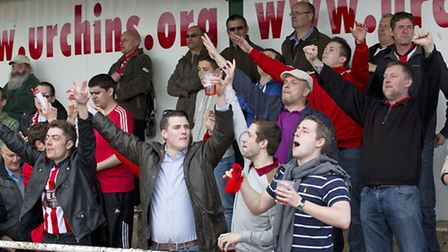 The Hornchurch supporters were in full voice at the last game of the season (Ray Lawrence/TGSPHOTO)
