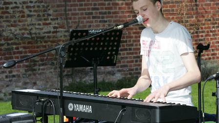 Best of the music fest singer and pianist Ryan Green
