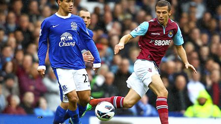 Hammers midfielder Gary ONeill (right), in action at Goodison Park on Sunday, hopes he has done eno