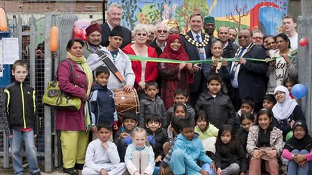 Newham Mayor Robin Wales and celebrity builder Tommy Walsh joined Forest Gate residents for the laun
