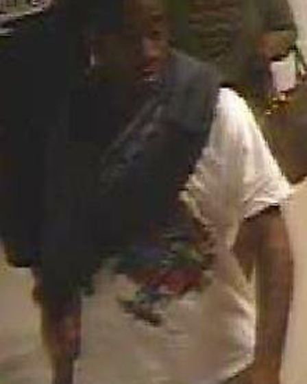 The second man police want to speak to (photo: Met Police)