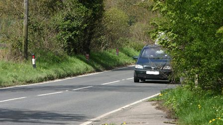 The path along the A227 in Meopham which ends dangerously